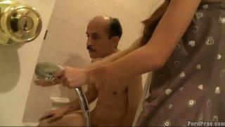 Парень оттрахал упитанным писюном сексуальную шлюху в шикарном бельишке